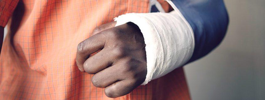 Broken Arm: Signs, Symptoms, & Treatments